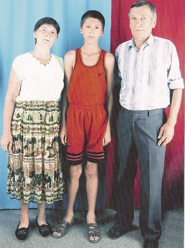 Evgenij Xacheridi с бабушкой и дедушкой совместная фотография