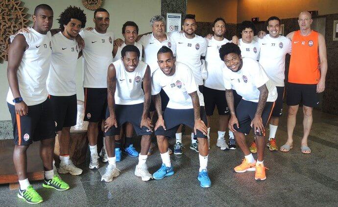 Lucescu с бразильцами из Шахтера фотография