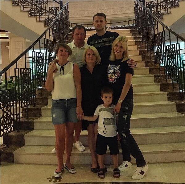 Yuri Vernidub с семьей совместное фото