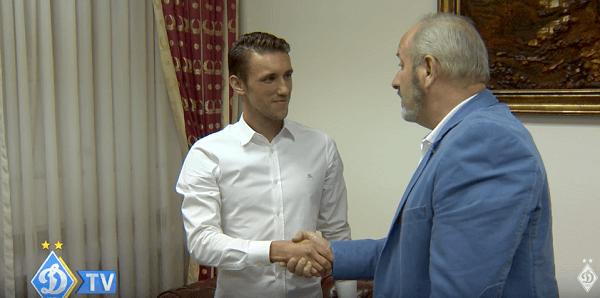 Йосип Пиварич подписывает контракт