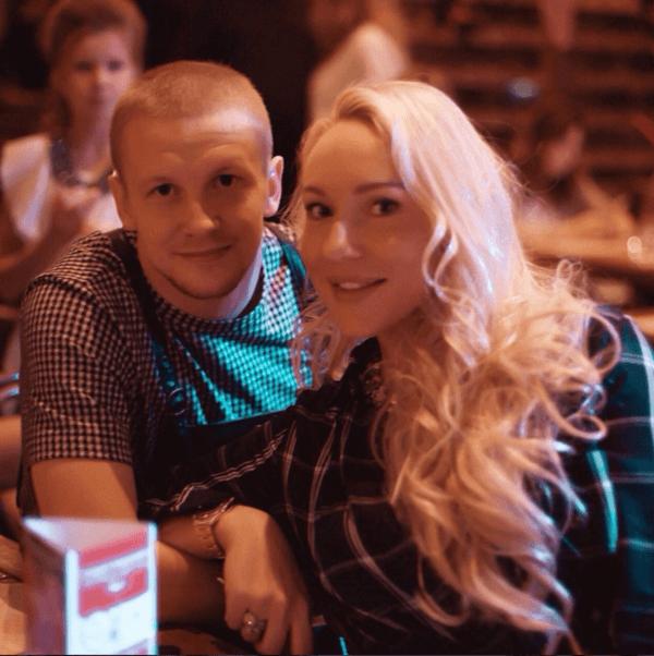 Igor Smolnikov с женой Екатериной фотография