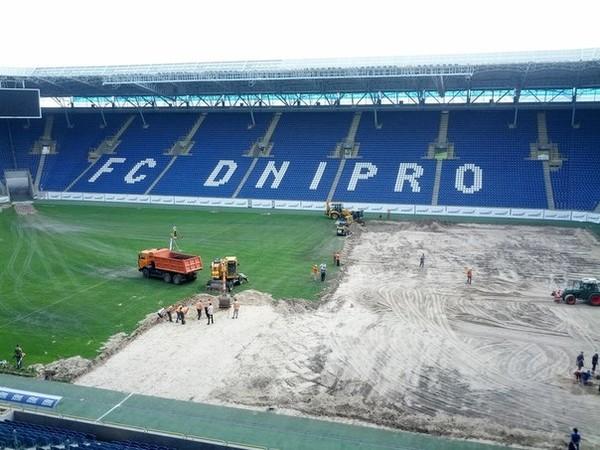 Замена газона на Dnepr Arena фото