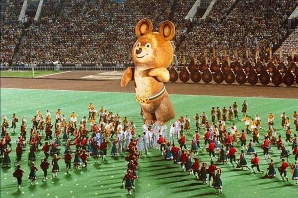 Олимпийский мишка на Стадионе Лужники 1980 год