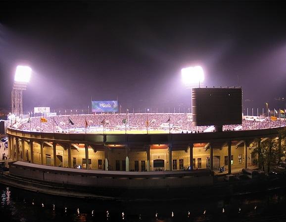Petrovsky stadium в ночное время фото