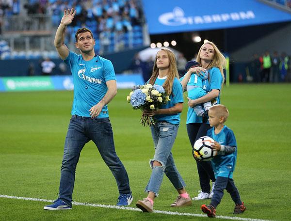 Kerzhakov прощается с фанатами фотография