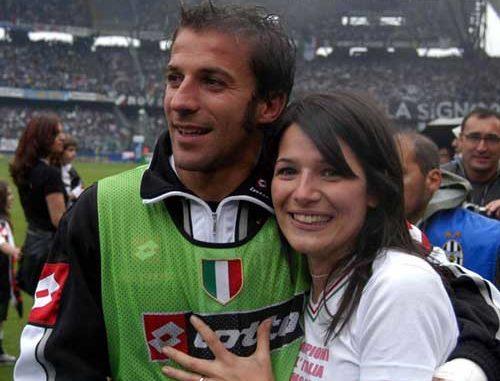 Alessandro и его жена после матча