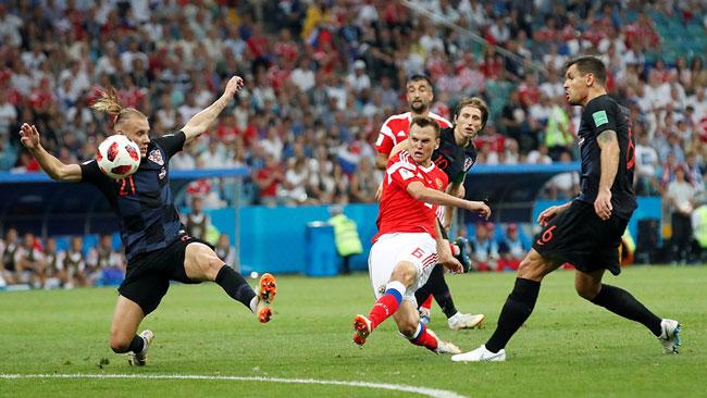 Денис Черышев забивает красивый гол хорватам фото