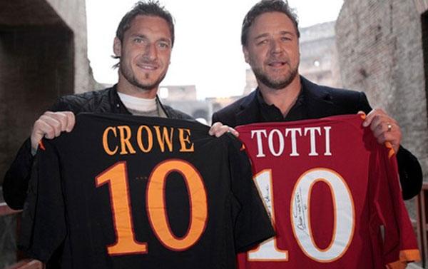 Два гладиатора, Франческо Тотти и Рассел Кроу фото