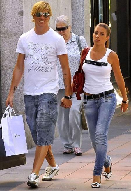 Фернандо с женой Олалье совместное фото
