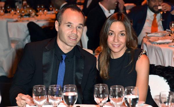 Андрес Иньеста и его жена Анна Ортис, совместное фото