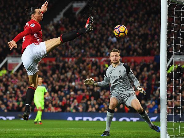 Ибрагимович переходит в Манчестер Юнайтед - фото