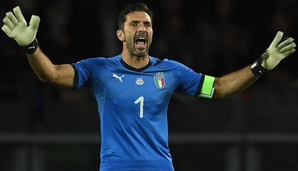 Джанлуиджи Буффон капитан сборной Италии - фотография