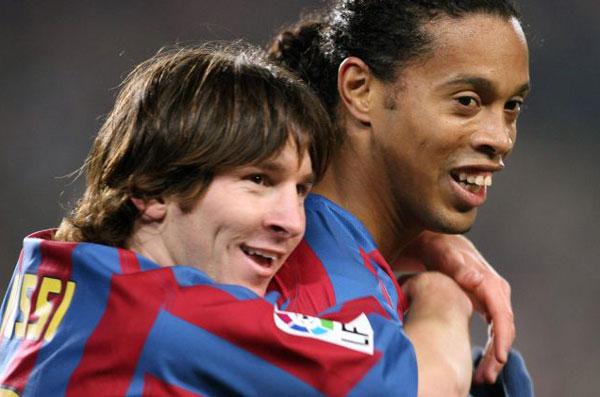 Роналдиньо и Месси совместное фото