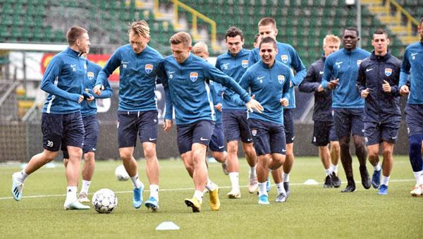 Команда ФК Мариуполь - фото на startfootball.info