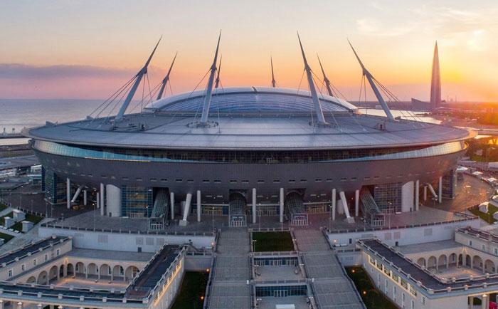 Вечер у арены Санкт-Петербурга - изображение на startfootball.info