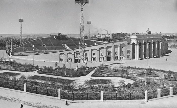 Центральный стадион Екатеринбурга - изображение на startfootball.info