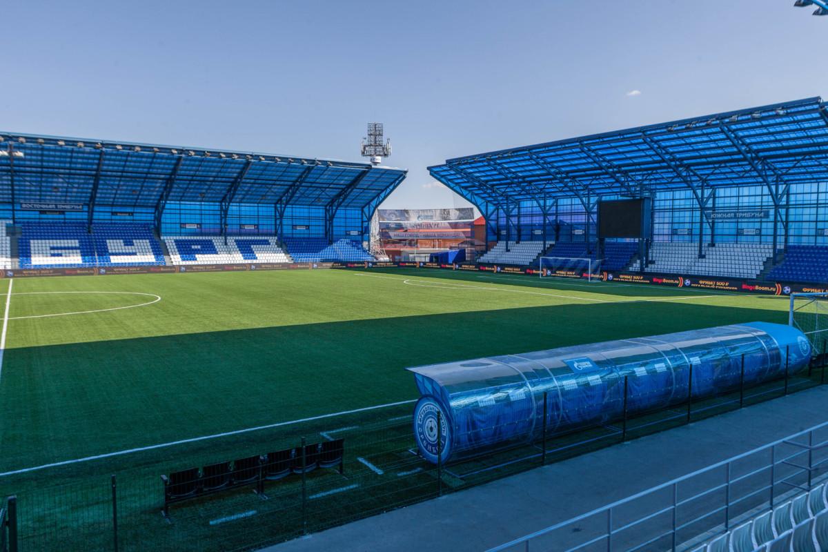 Трибуны стадиона Газовик - изображение на startfootball.info