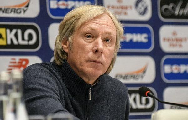 Тренер А. Михайличенко - изображение на startfootball.info