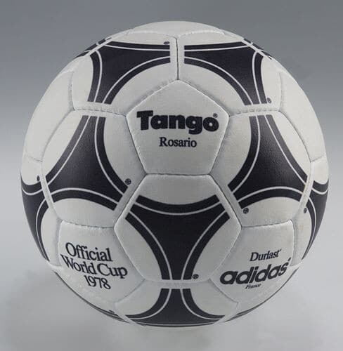 "Adidas myach ""Tango"" 1978 г. - фотография на startfootball.info"