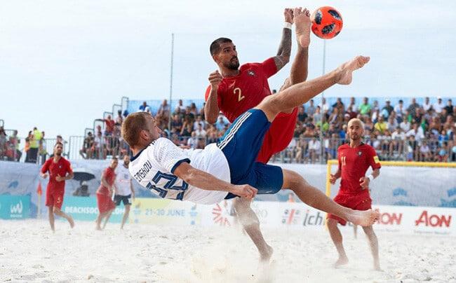 Количество игроков в пляжном футболе